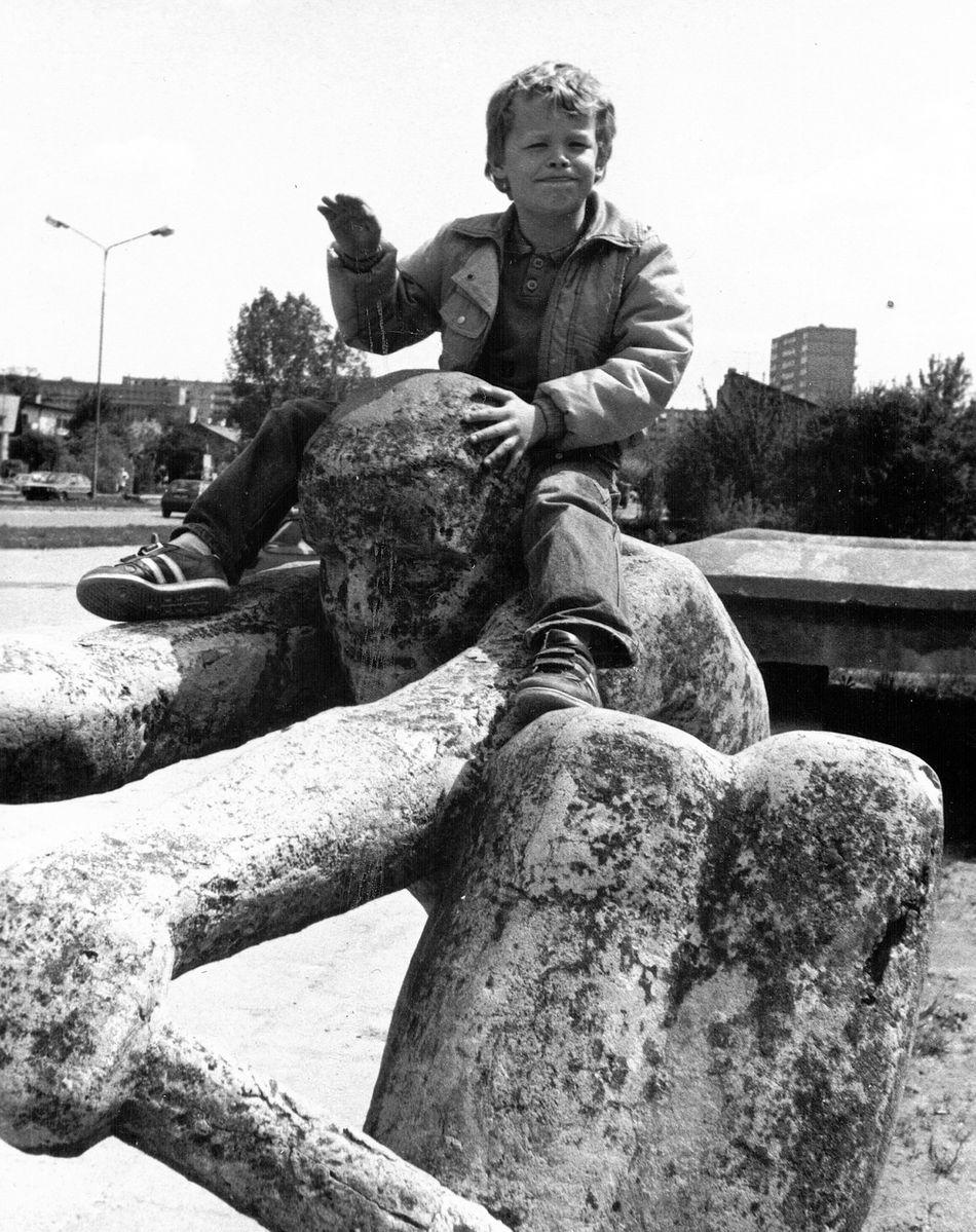 Lato 1992 MDK - wioślarz na Miejskim Domu Kultury w Radomsku